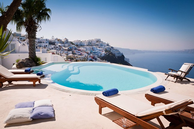 santorini honeymoon suites